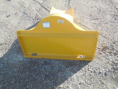 skid-steer-gravel-scoop-003