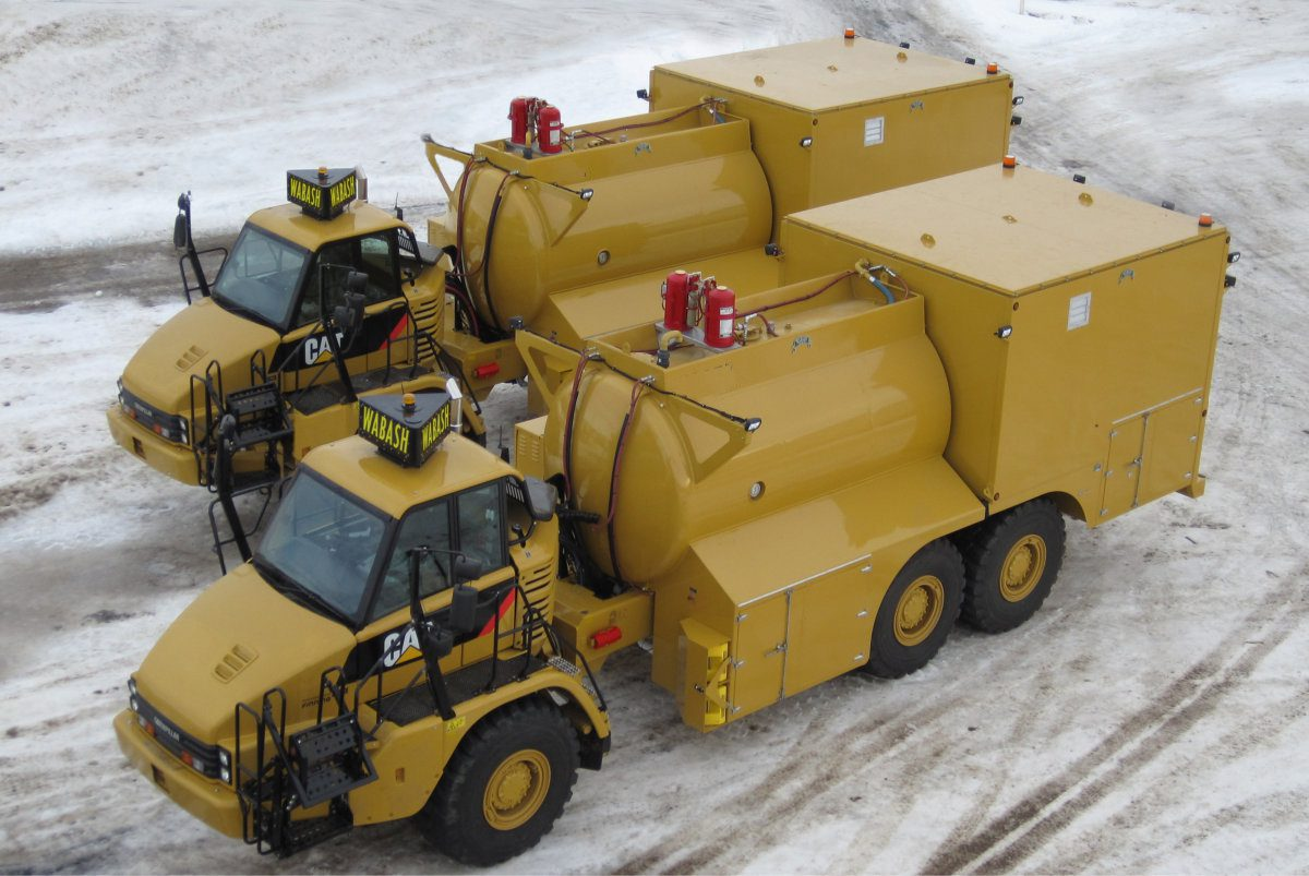Articulating Fuel and Lube Truck