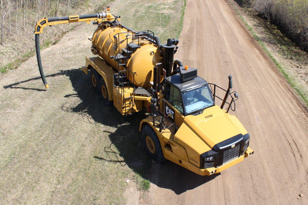 740-Off Road Vacuum Truck
